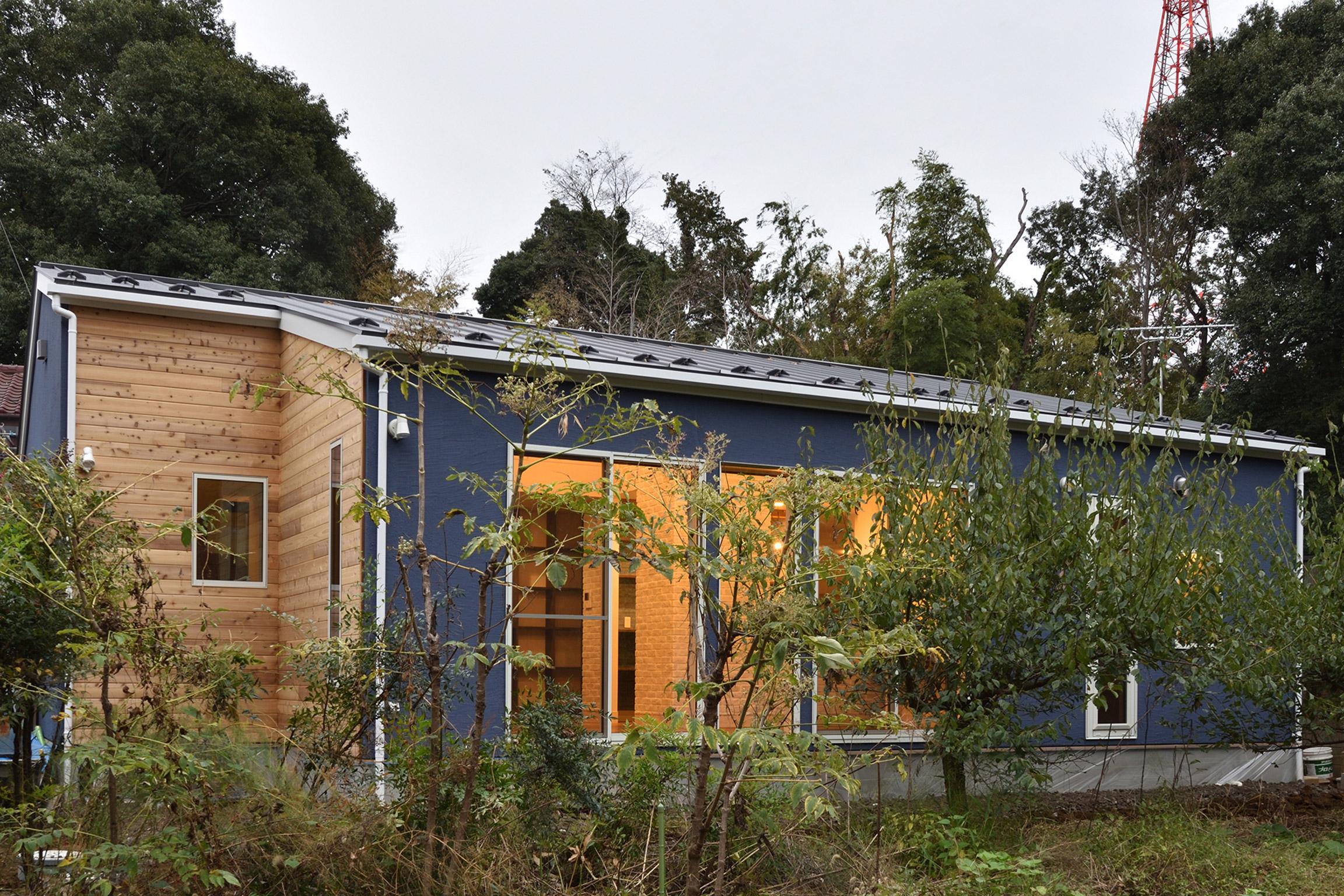 自然に包まれた平屋建住宅